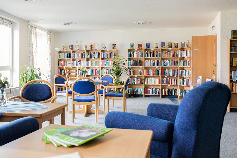 Alte-Glaserei-Seniorenresidenz-Bibliothek